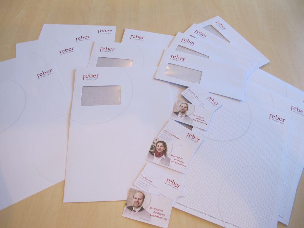 Persönliche Visitenkarten mit Bildern unserer Kollegen