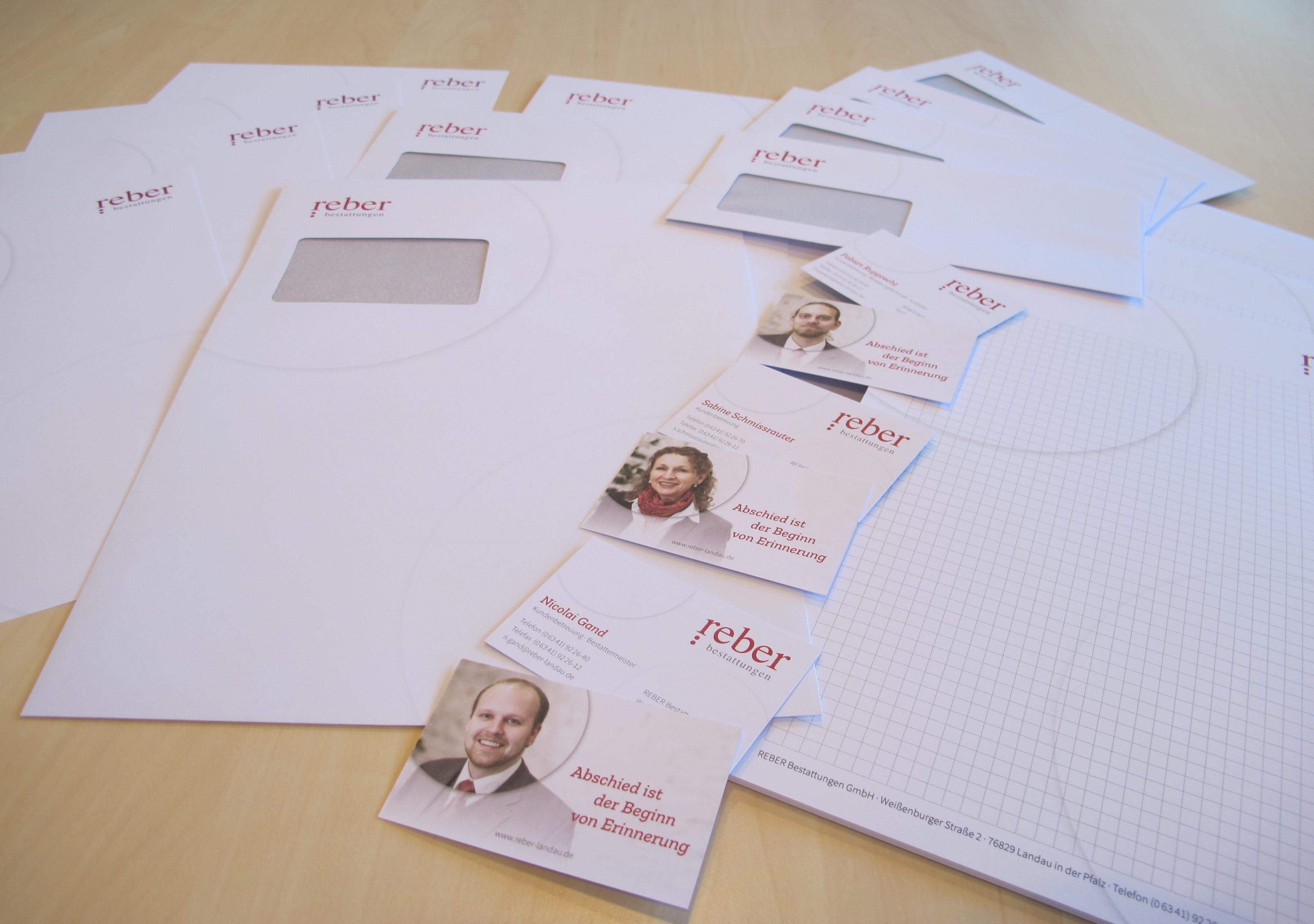 Neues Briefpapier und Visitenkarten