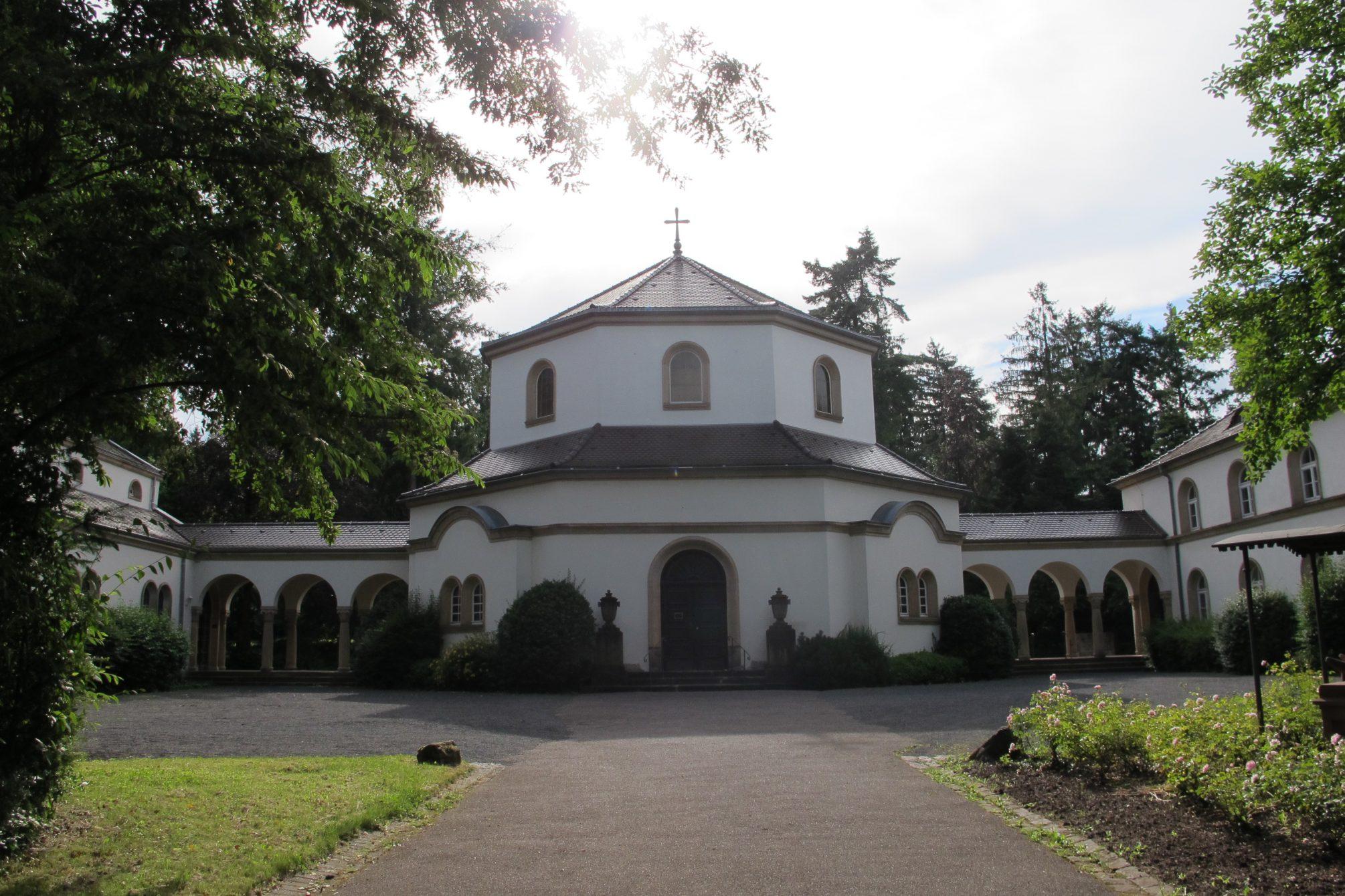 Trauerhalle auf dem Hauptfriedhof Landau